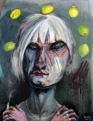 Böses altes Mädchen mit Zitronen